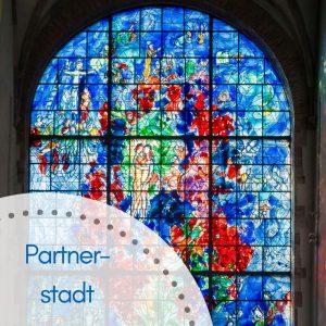 Chagall Fenster in der Kathedrale von Sarrebourg, bunt
