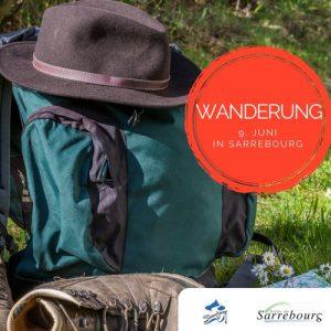 Wanderschuhe, und Ruckstack symbolisch für die Wanderung