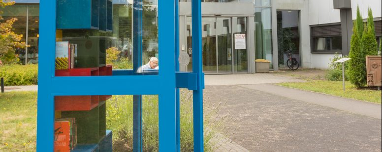 Neuer Standort für die Bibliobox am Kreiskrankenhaus St. Franziskus Saarburg